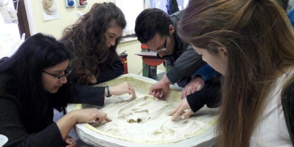 studenti liceo artistico a lavoro