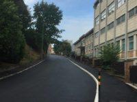 Via Battisti asfaltata