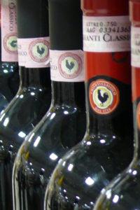 vino chianti bottiglie