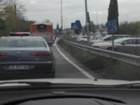 auto in coda due ponti