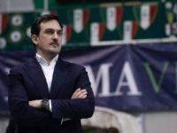 Cichello coach Emma Villas.jpg