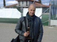 Hernandez con la valigia in mano