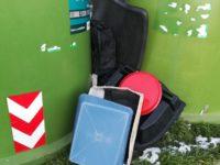 rifiuti abbandonati fuori dal cassonetto Monteriggioni