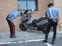 Carabinieri scooter rubato