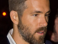 Ryan_Reynolds_2014_TIFF_The_Voices_Premiere_(cropped)