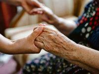 anziano mani