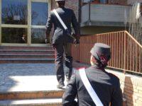 carabinieri per le scale