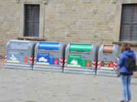 cassonetti per la raccolta differenziata di rifiuti