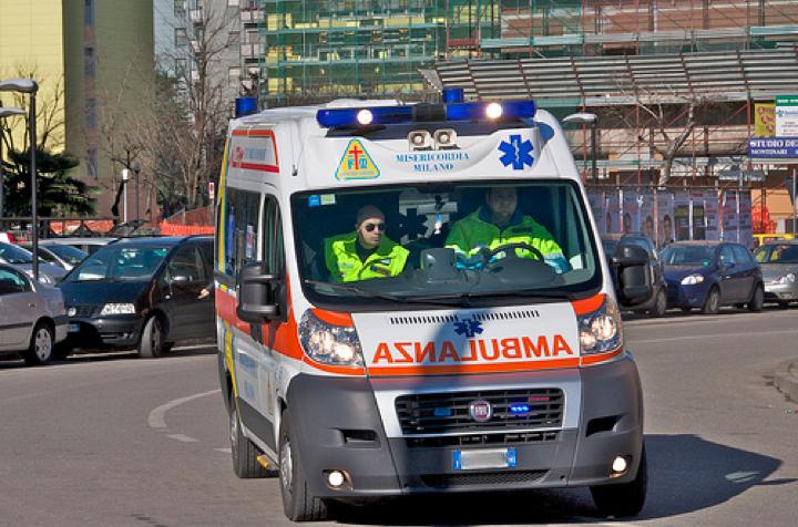 Ambulanza_.jpg (720×476)