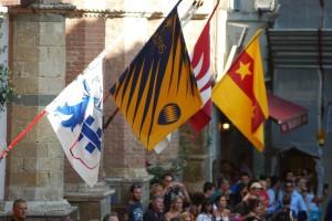 Bandiere Montalcino_800x535