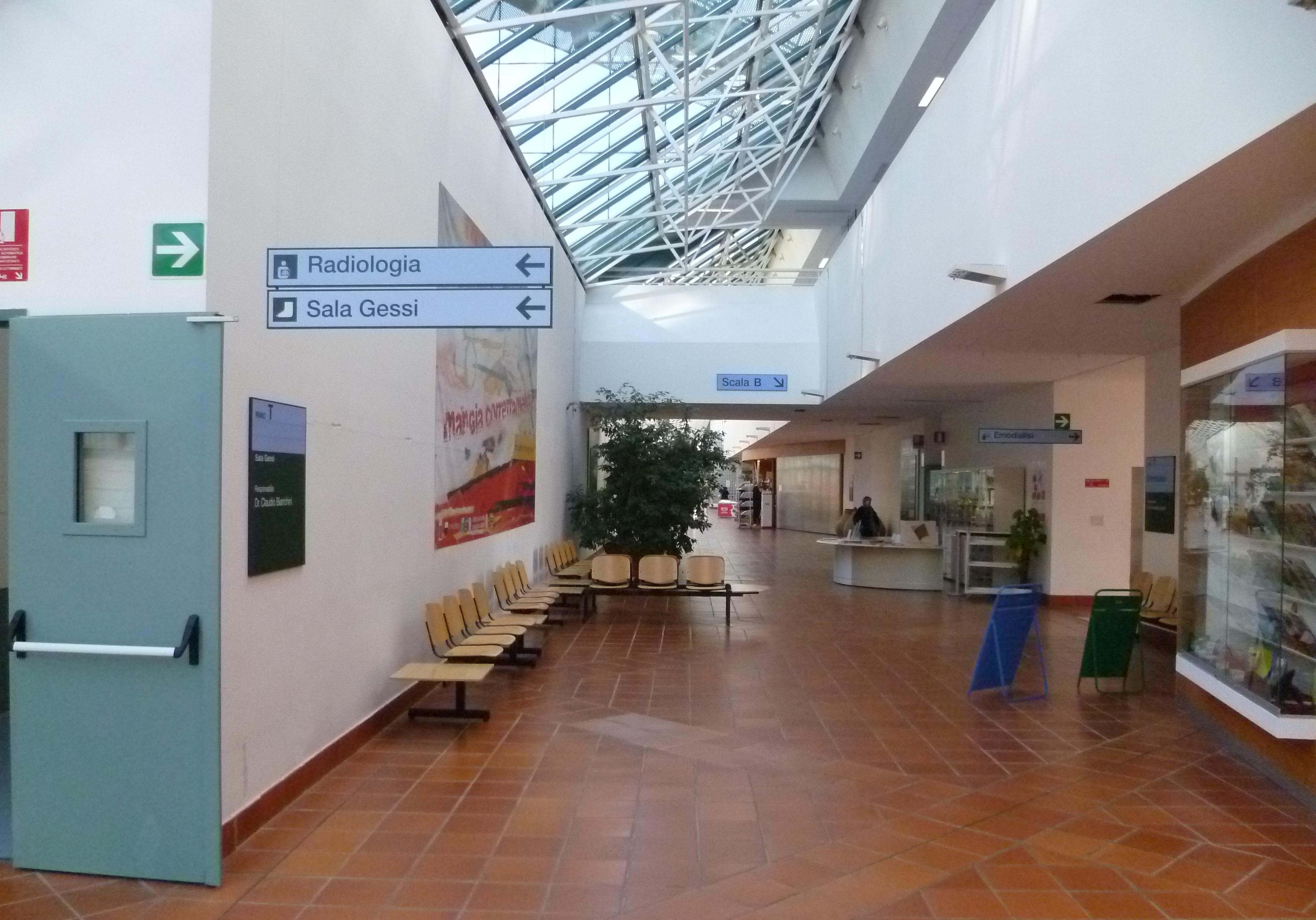 Iniziative di umanizzazione in ospedale a nottola va in for Disegni della barra del garage