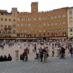 turisti piazza el campo_800x532