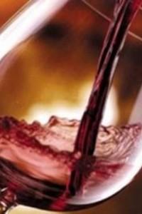 vino bicchiere rosso_779x600